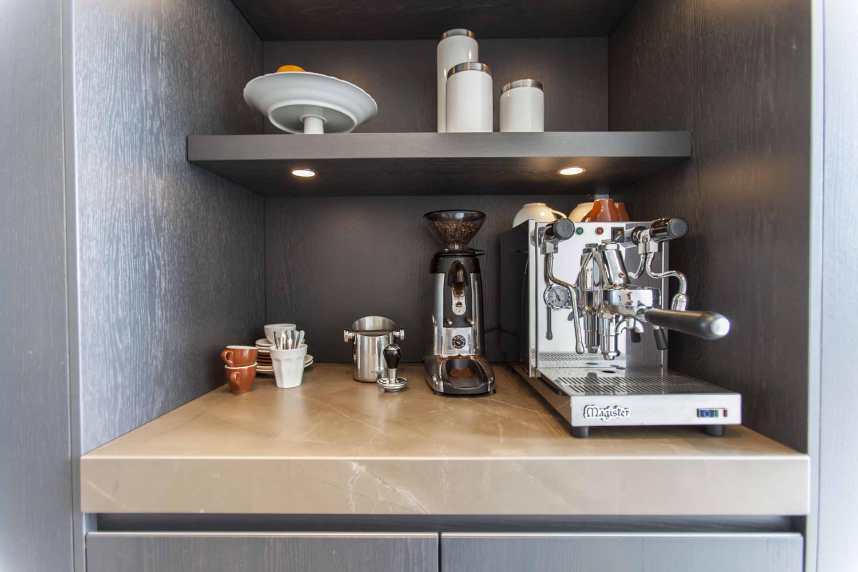 trendy-coffeebar-moderne-keuken