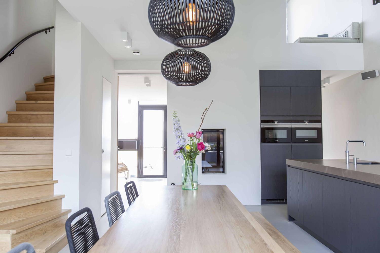 trendy-eigentijds-interieur-woonkeuken-villa-amsterdam