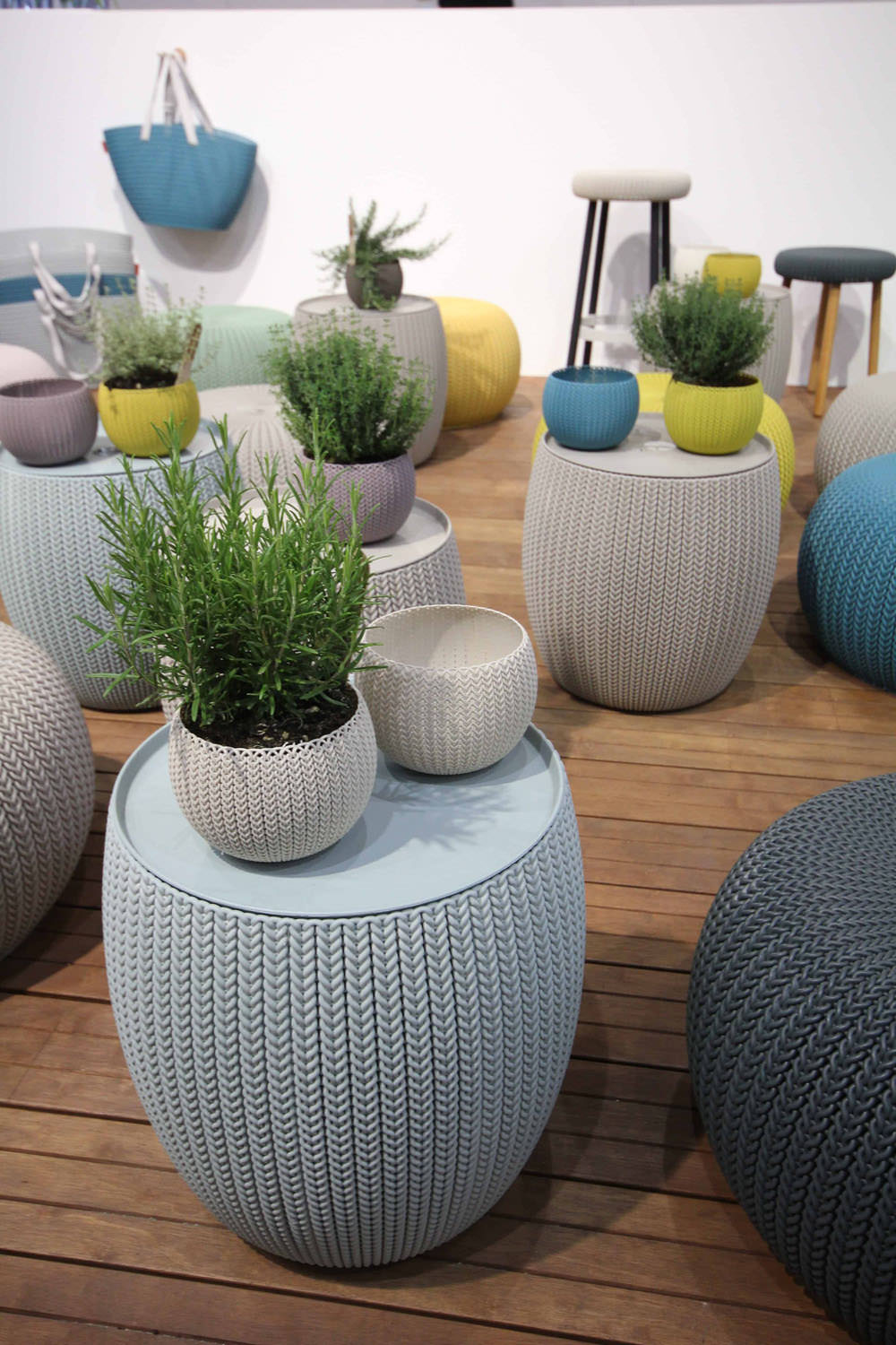 09-knit-keter-curver-house-for-interior-beursstyling
