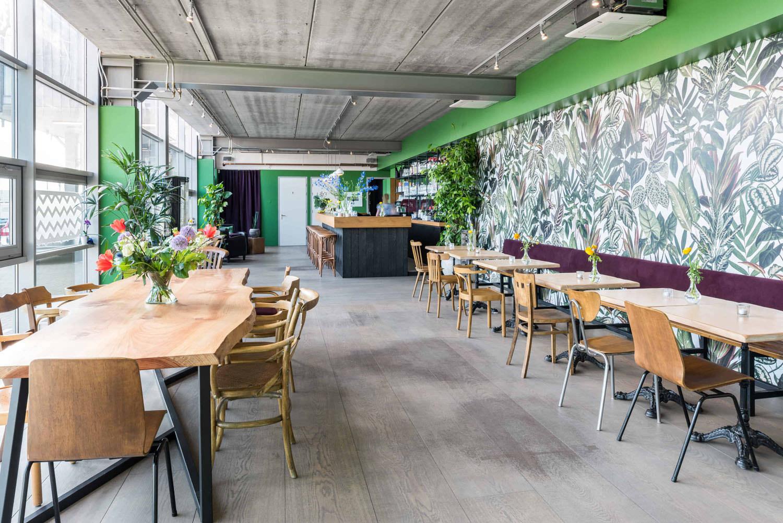interieuradvies-restaurant-de-wilde-kroketten-amsterdam-boomstamtafel