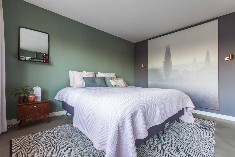 interieurontwerp-slaapkamer-kunst-fris-groen-cassave-grafiet-histor-